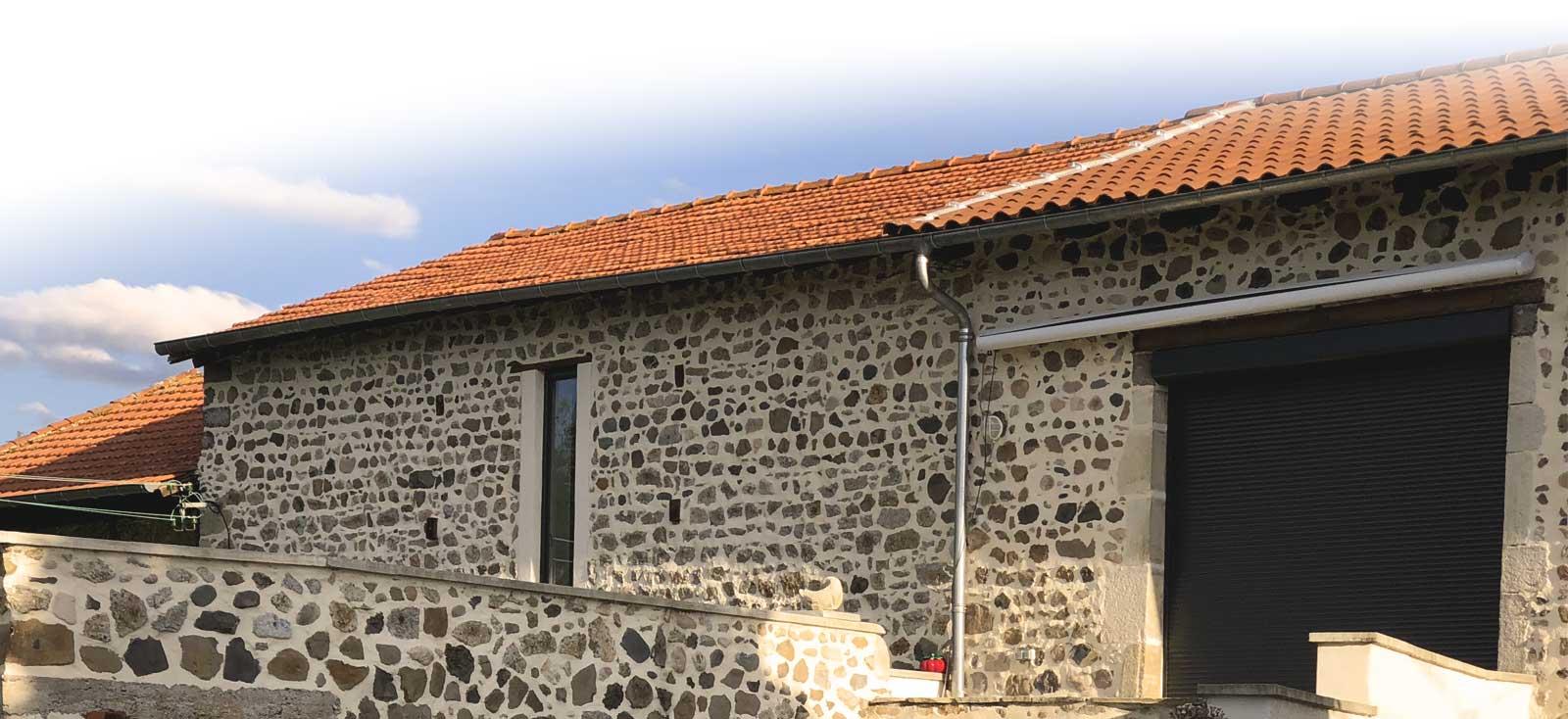 JOINTS DE PIERRE - Bâti Group 43 : Votre spécialiste en rejointoiement de pierre en Haute Loire, Lozère, Ardèche, la Loire et Puy de dôme . CONTACT : 06 87 05 87 82